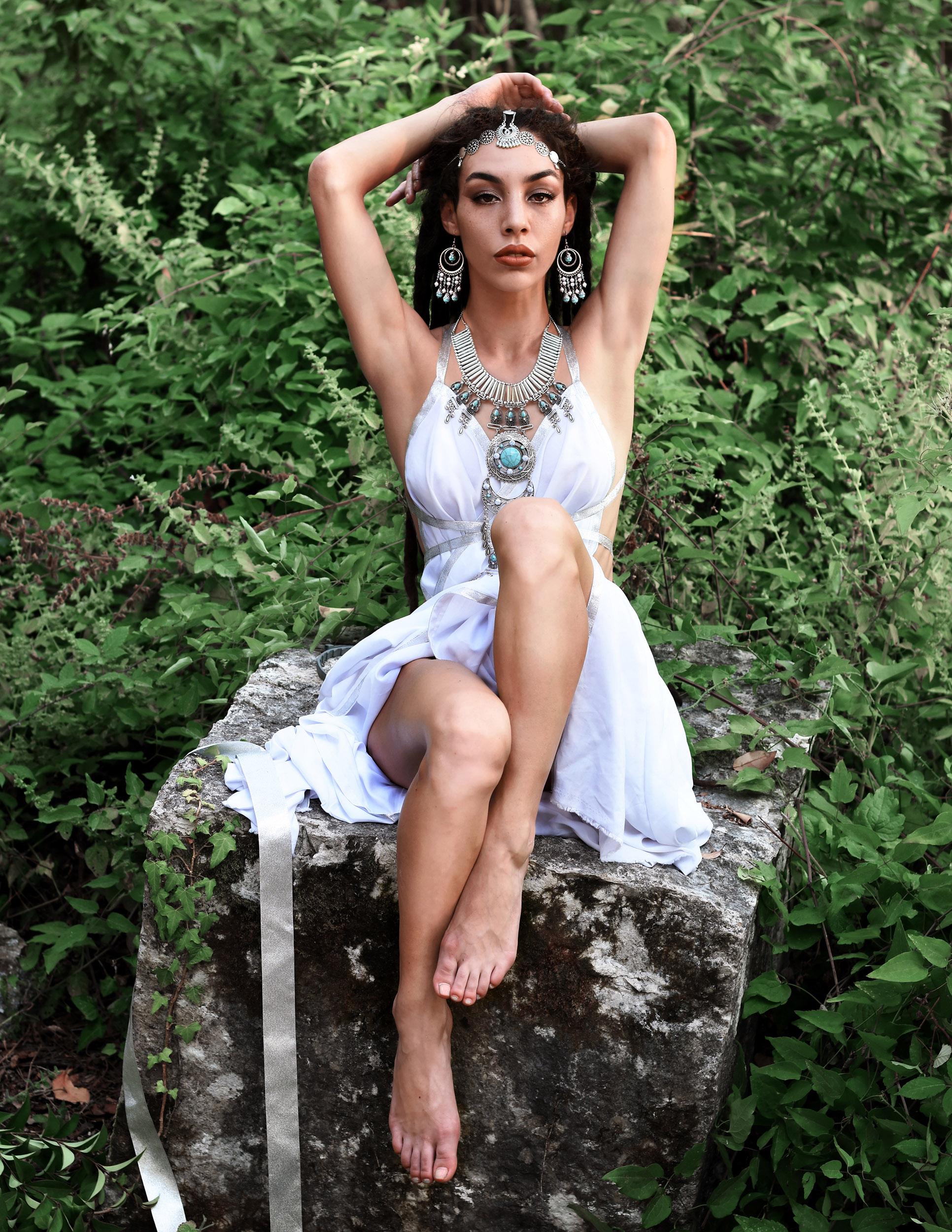 Categorie: Glamour, Portrait, Fashion - Ph: VALERIA DE RISO; Model: GAIA FREDA; Stylist: TIZIANA SANTORO - Location: Baia Domizia, CE, Italia