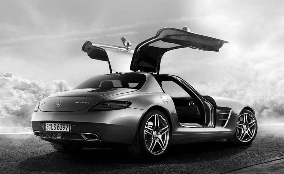 Mercedes-Benz vuelve a la carga con su nueva campaña.