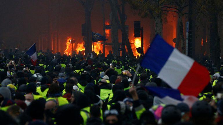 Revolution i Ukraina? Ja tack! Revolution i Frankrike? Lag och ordning! Etablissemangets kolossala hyckleri