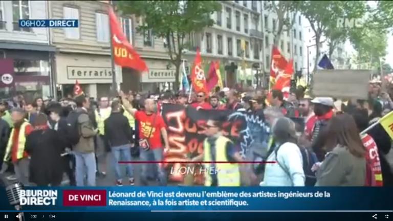 """De """"gula västarna"""" och fackföreningarna demonstrerade den 1 maj: """"Vi är alla arga medborgare"""""""