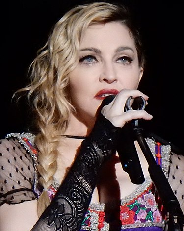 Madonna och andra sångare protesterar mot Israel under den alltid politiska Eurovisionsschlagerfestivalen