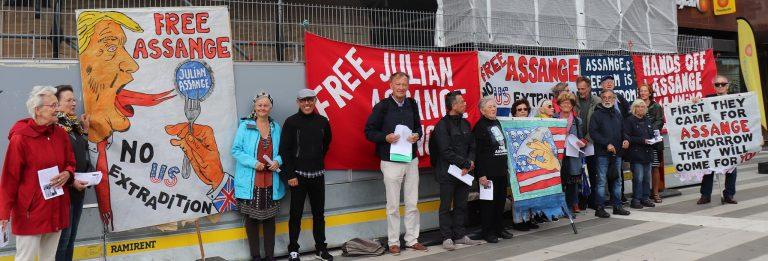 Kom till manifestationen för stöd till Julian Assange & Chelsea Manning och yttrandefriheten. Lördag kl 12-13. Soltorget