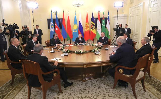 Putin gör upp med historieförfalskning