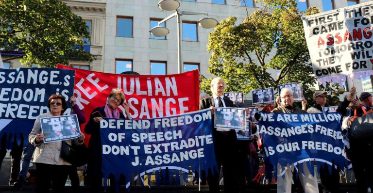 """The """"Support Committe for Julian Assange in Stockholm going to solidarity manifestations in London"""""""