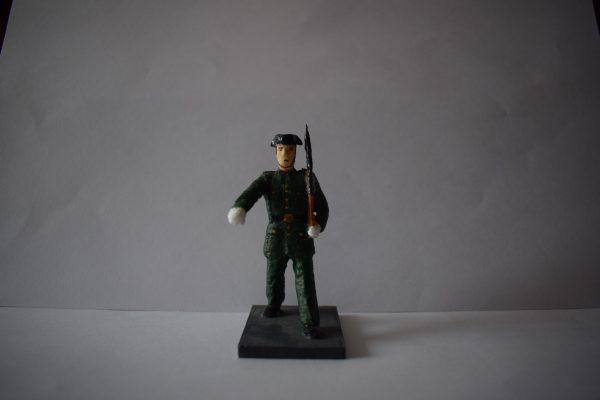 Figura Guardia Civil Desfilando 2