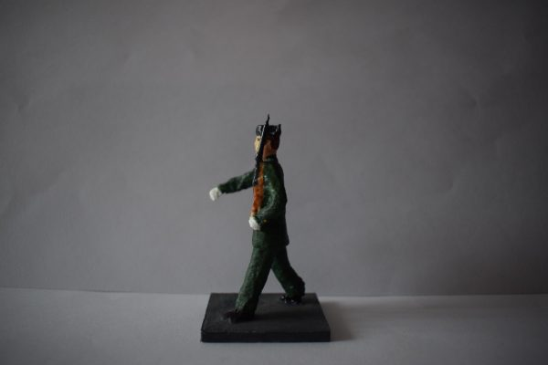 Figura Guardia Civil Desfilando 1