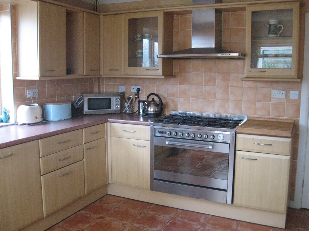 Gower Edge self catering - view of kitchen