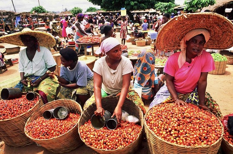 Makola Market-Grassroottours.com