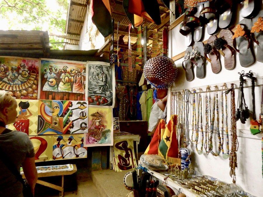 Culture centre, art market-grassroottours.com