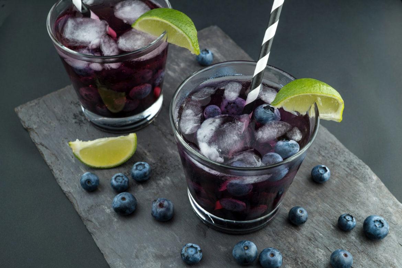 Cool bleiben mit Blaubeerschorle