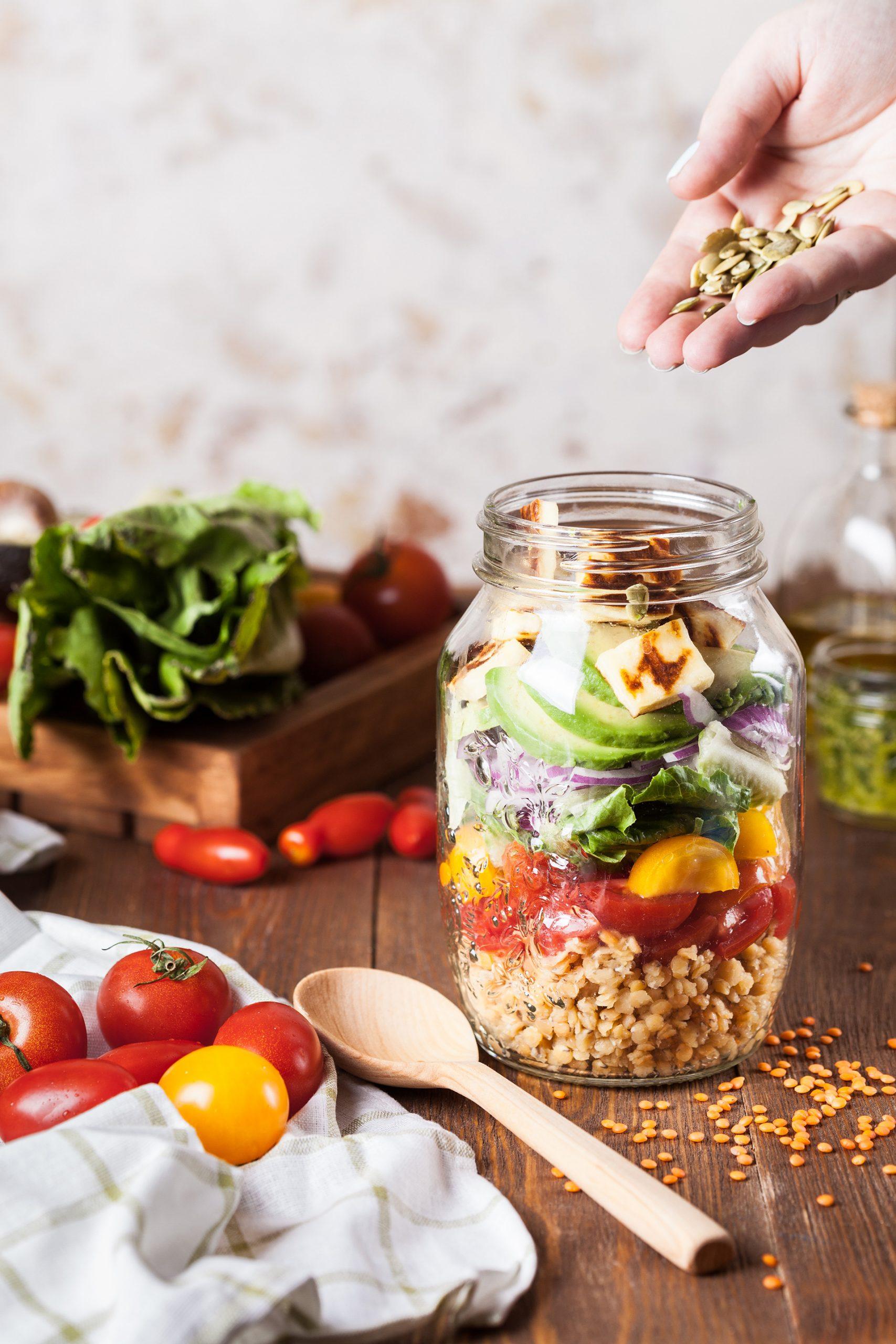 Lecker und gesund: Linsensalat im Glas