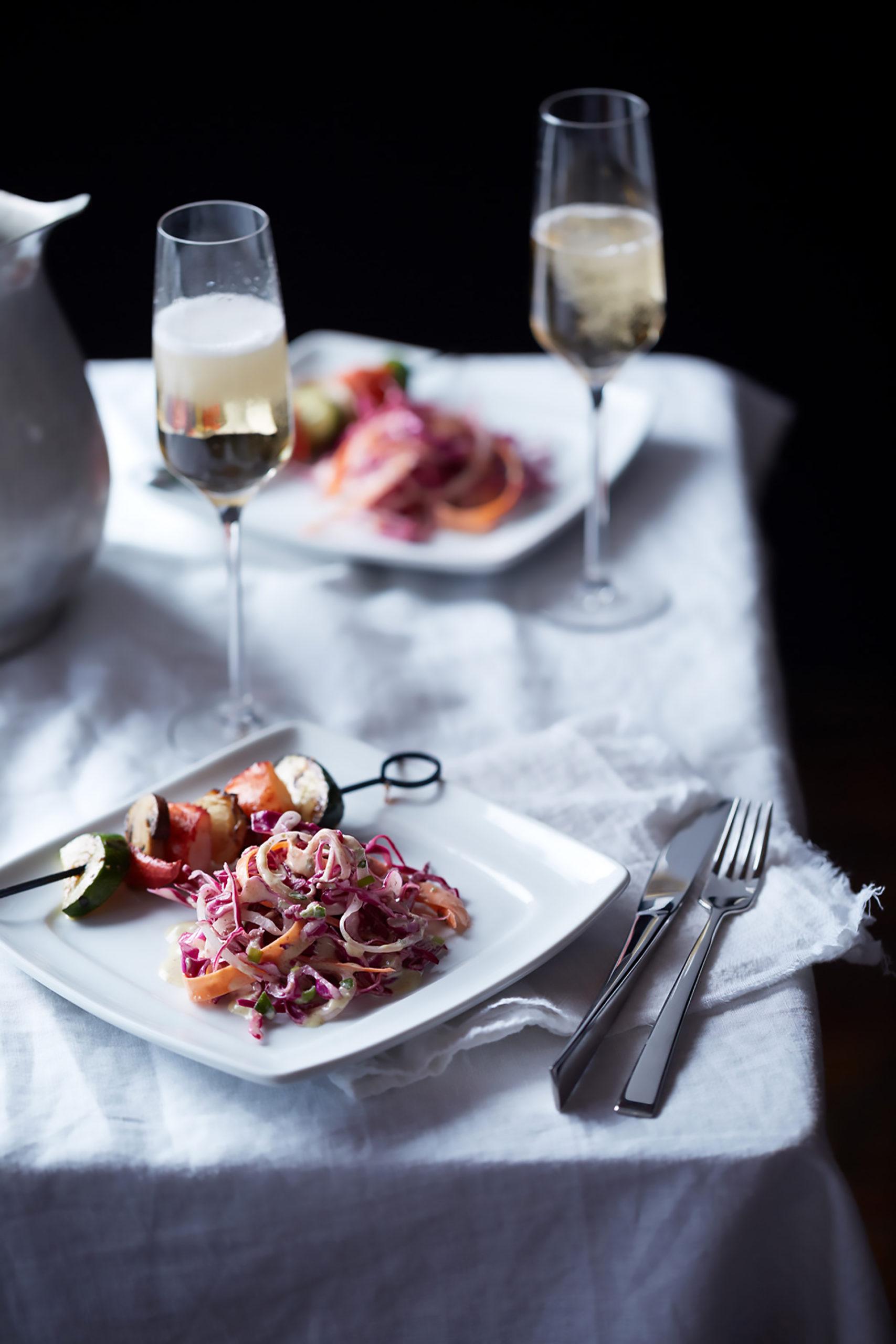 Rotkohlsalat schmeckt solo oder als Beilage