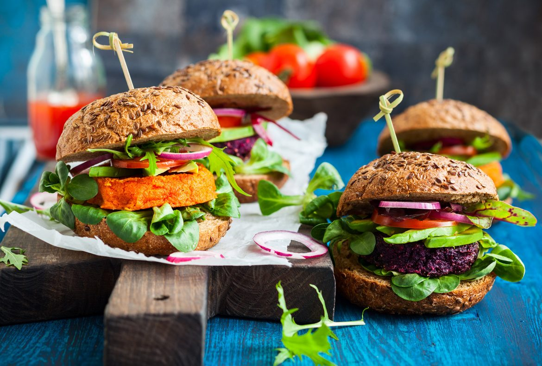 Fleischlos glücklich in veganen Restaurants - eat-the-world präsentiert zehn angesagte vegane Restaurants in Deutschland