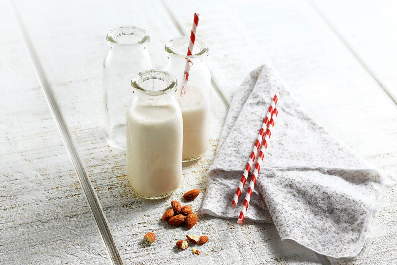 Mandelmilch aus der eigenen Küche