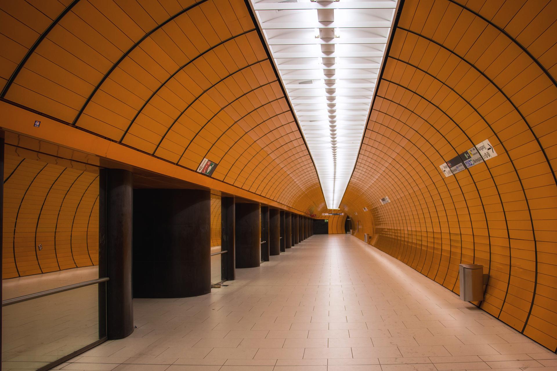 So menschenleer haben wir den Bahnhof Marienplatz nur selten erlebt ...