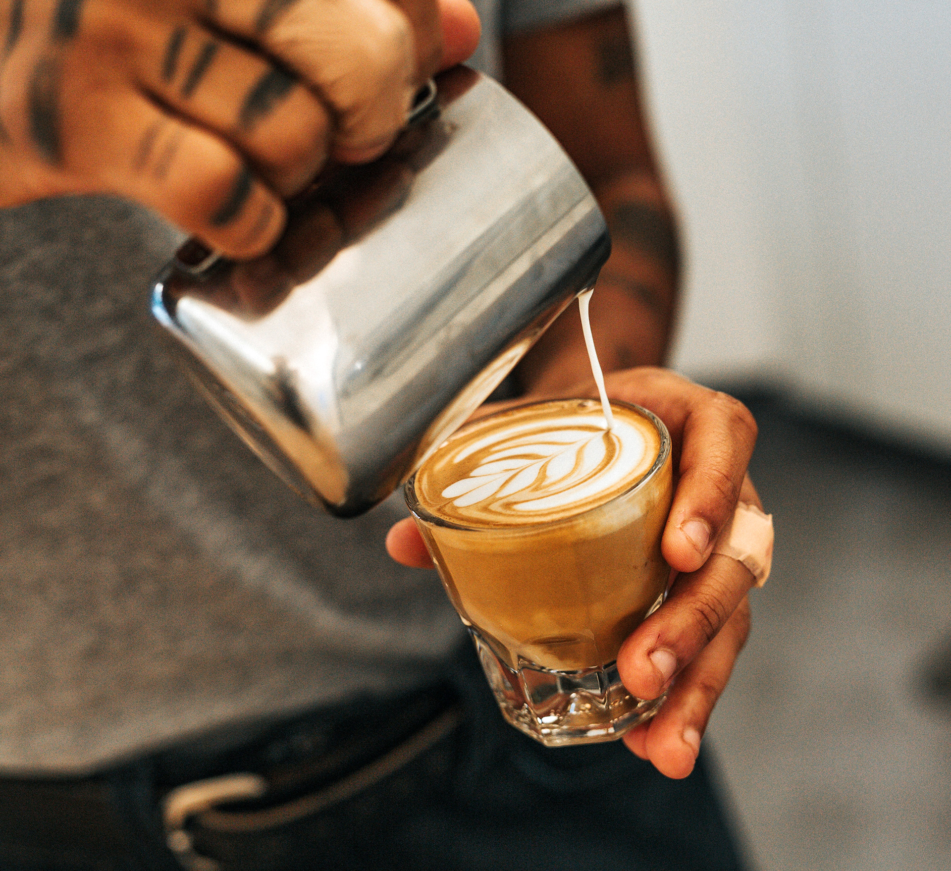 Ganz gleich, ob als »kleiner kalter Kaffee« oder als Longdrink: Iced Kahlúa Latte schmeckt immer!