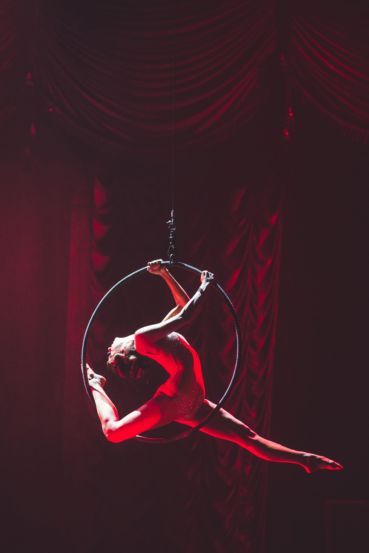 Atemberaubende Akrobatik erwartet die Tollwood-Besucher heuer im Spiegelzelt