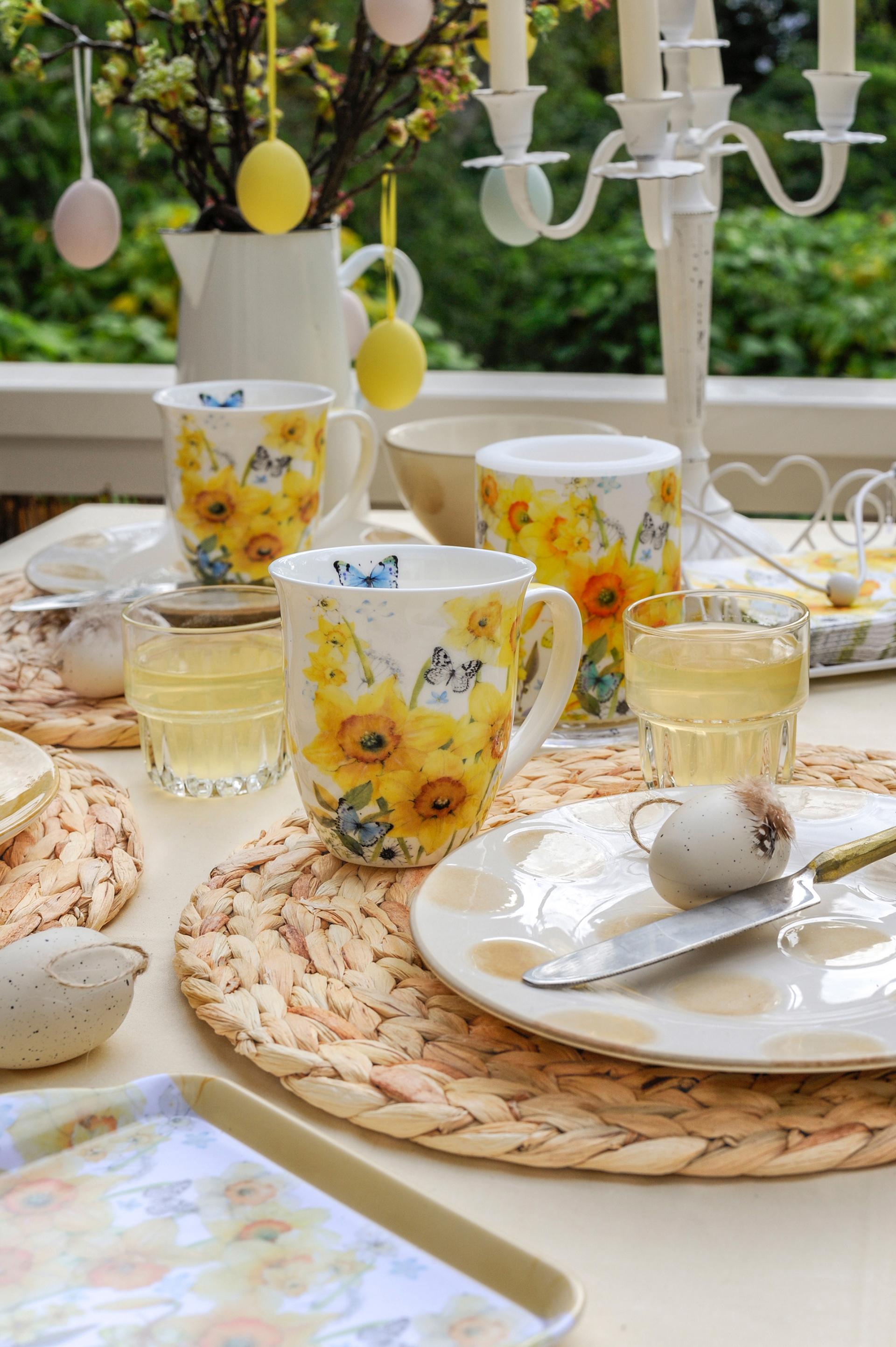 Blütentraum mit Schmetterlingen - »Classic Daffodils«