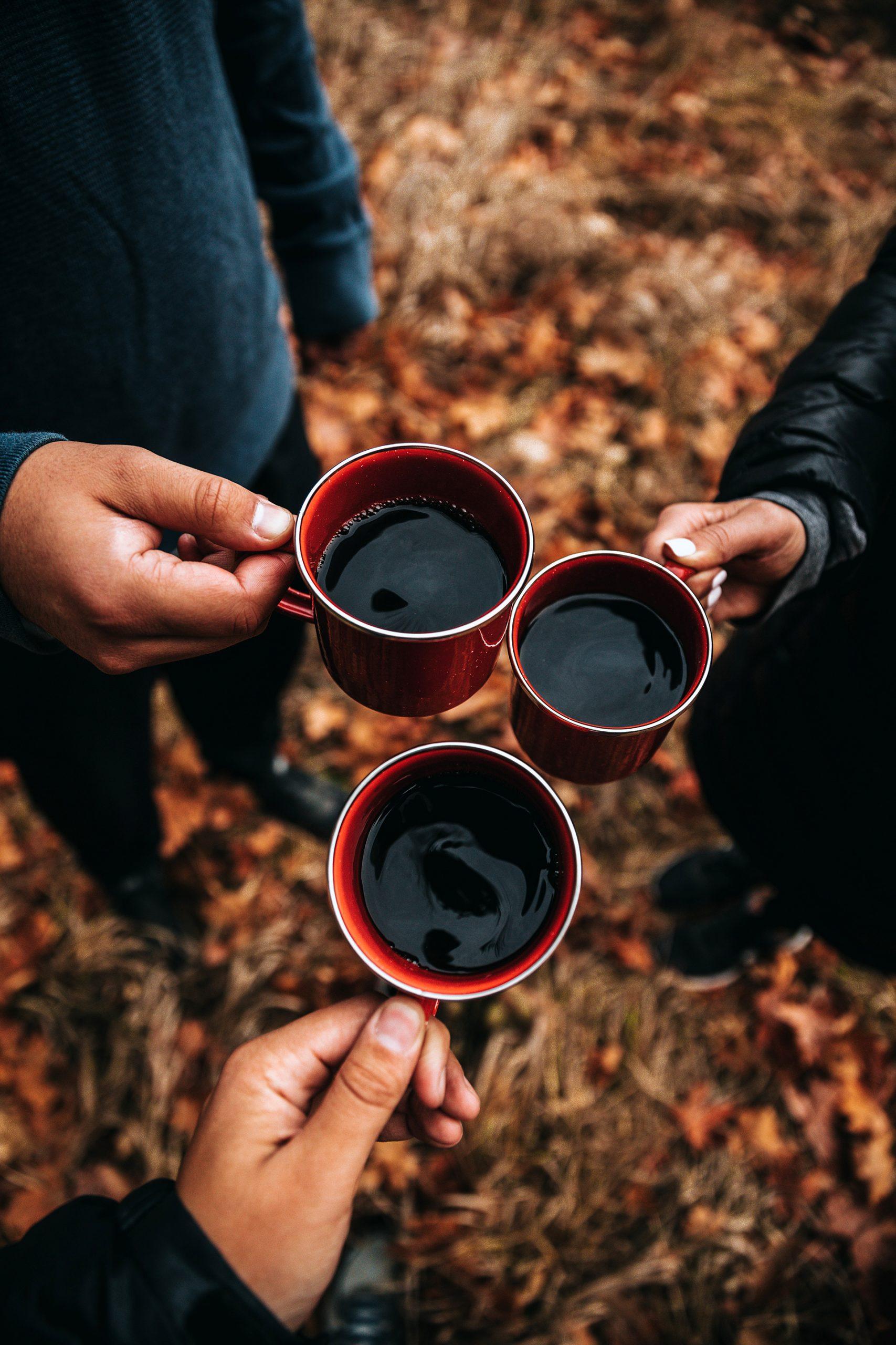 Trinke deinen frisch aufgebrühten Kaffee wann du willst, wo du willst und mit wem du willst