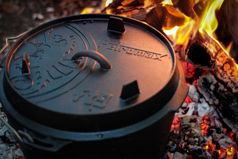 Gusseisen für die Draußenküche – Mit Petromax im Feuer kochen
