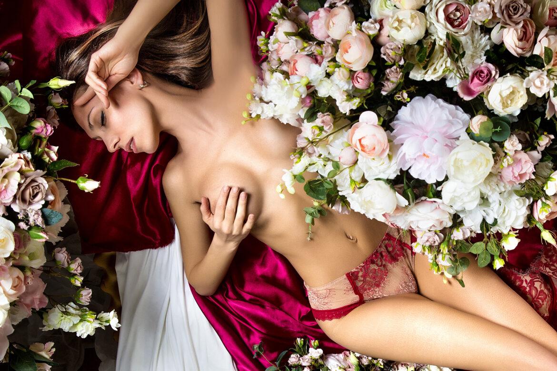 V – Alles über das weibliche Geschlecht: Bodyshaming, weiblicher Orgasmus, Selbstbefriedigung, Menstruation, Verhütung u. v. m. Alles über Vagina und Vulva