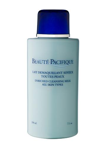 Reichhaltige Reinigungsmilch für alle Hauttypen