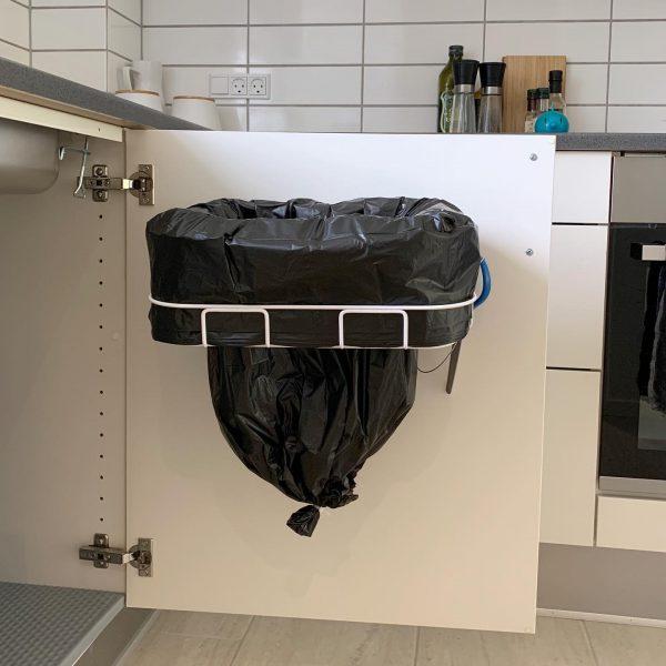 affaldsstativ i skab