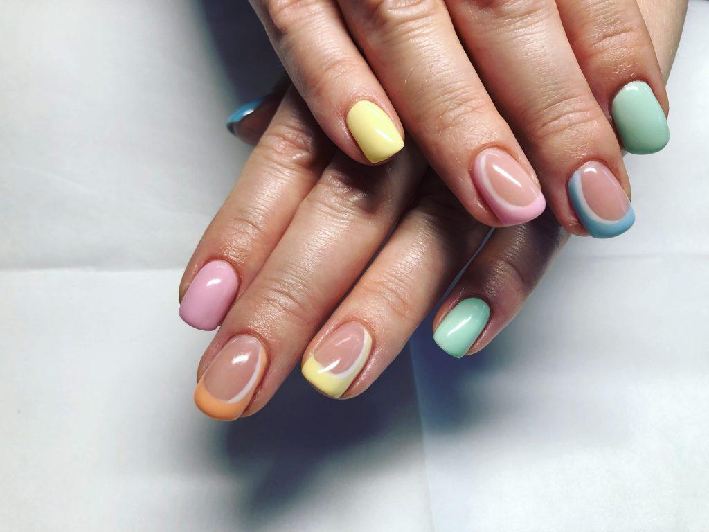 naglar-i-pastell