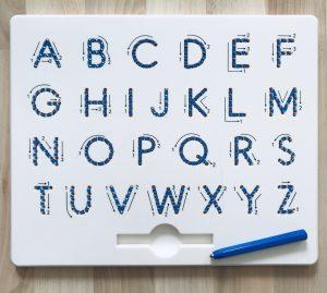 Buchstaben schreiben – Lerwörterstation