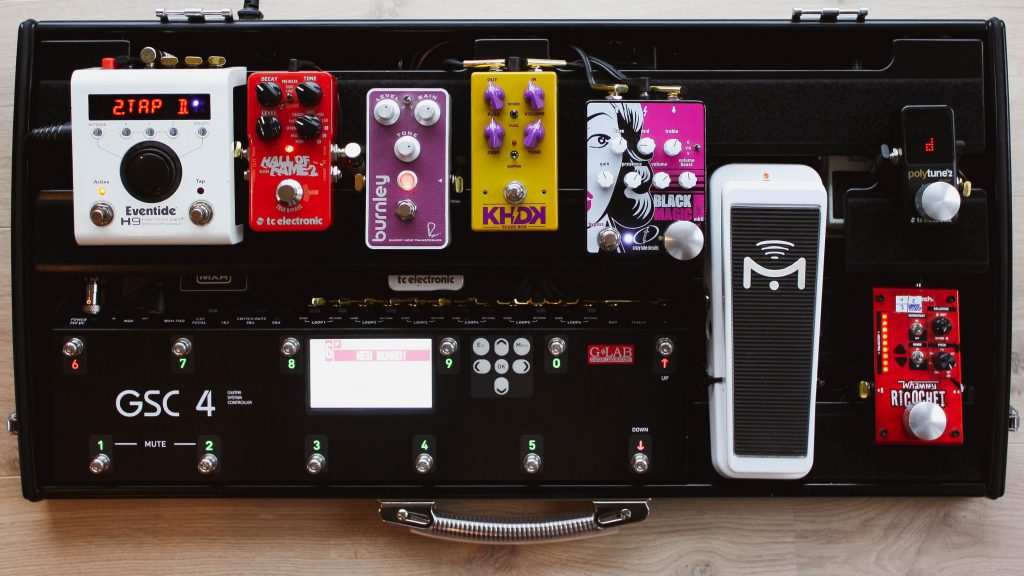 Pedalboard with GLAB GSC-4