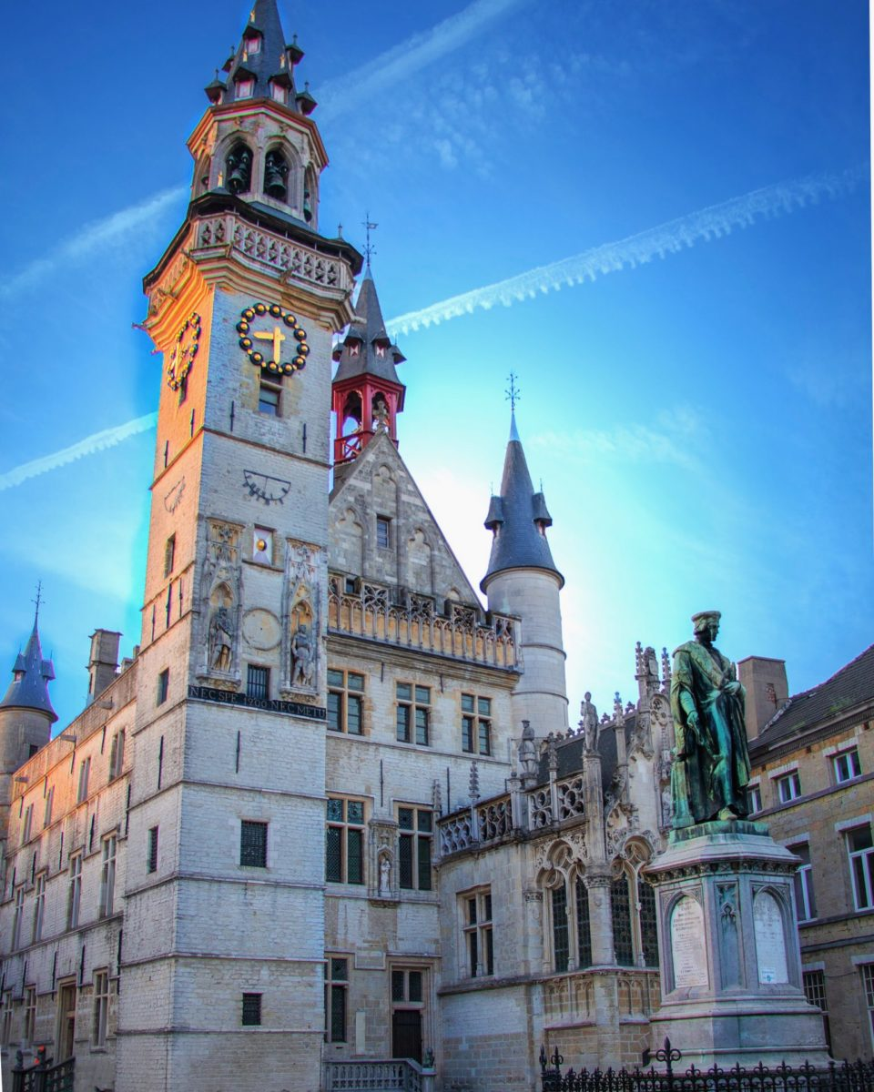 Tip voor een uitstap in België. Bezoek in Aalst het oudste belfort de Nederlanden. van Aalst