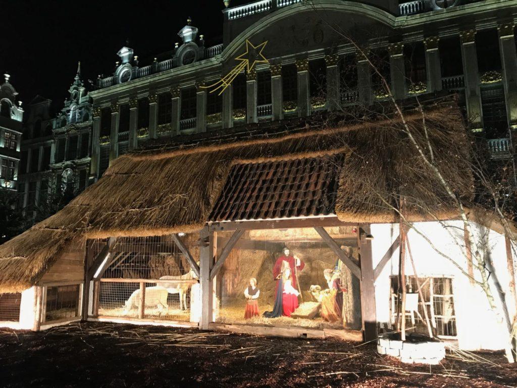 Kerststal op de grote Markt in Brussel