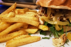 08_Burger_PulledChicken