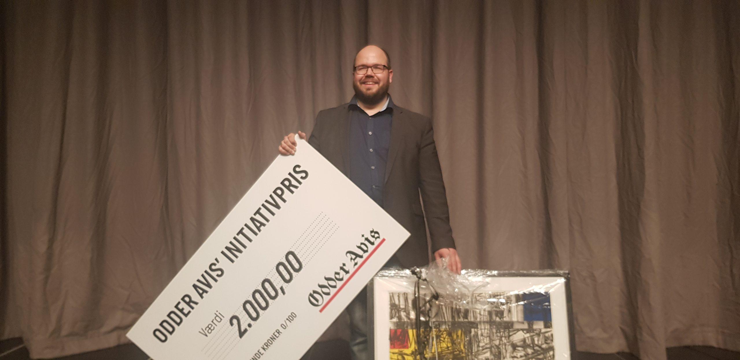 Lars Dalsgaard Larsen modtog Odder Avis' Initiativpris