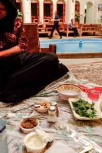 Eten in een Iraans restaurant