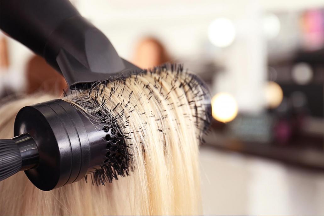 Haare foehnen