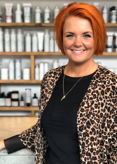 Louise er frisør hos Rolf Jonsson frisørsalon
