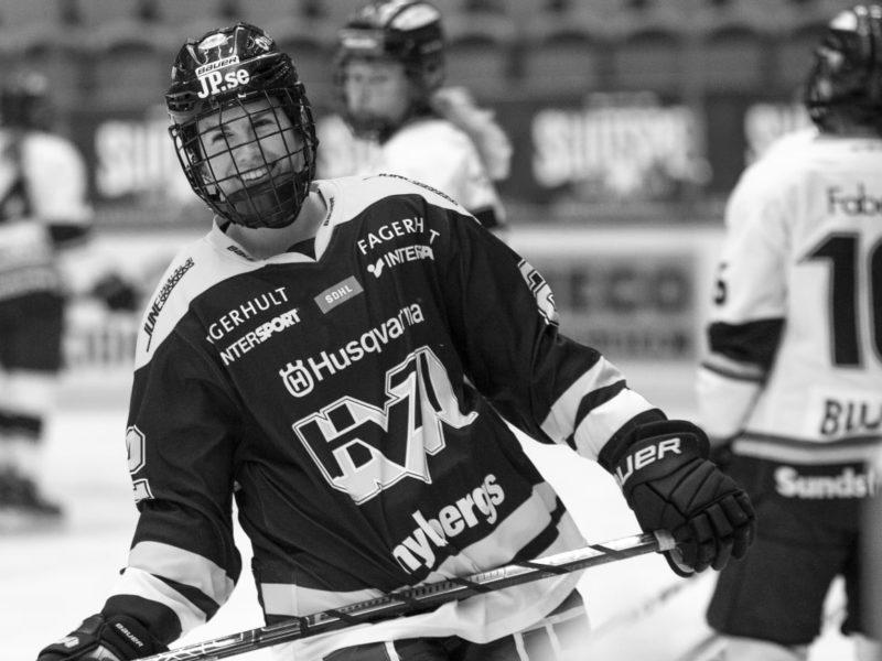 """DHL förlänger med SDHL: """"Självklart att fortsätta visa hur mycket vi tror på damhockeyn"""""""