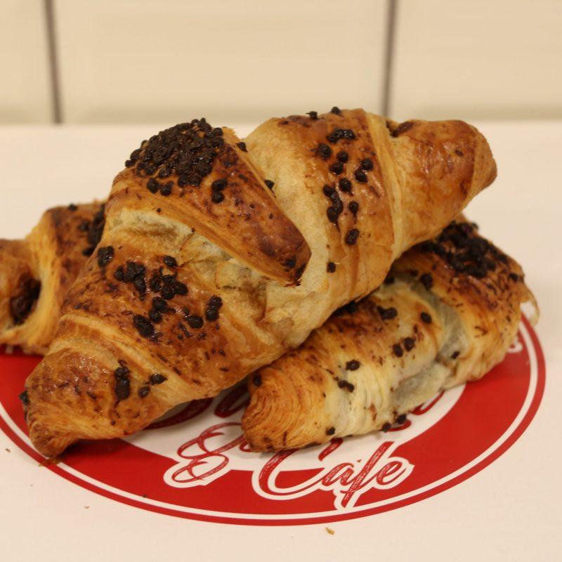 Croissant m/kakao og hasselnøddefyld