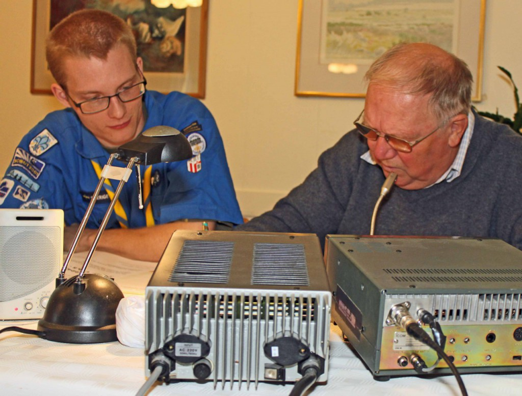 JOTA i Färjestaden 2009 Jonatan SA7BHQ och John-Iwar sm7crw_webb