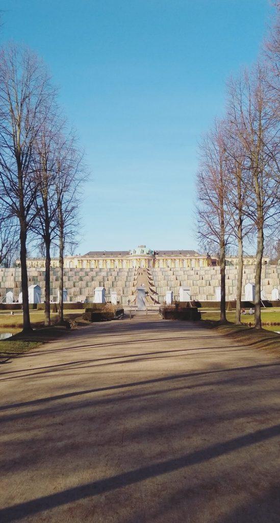 Beitragsbild Schloss Sanssouci Potsdam Ente handundstift.de Blog zum Thema Illustration in Serie