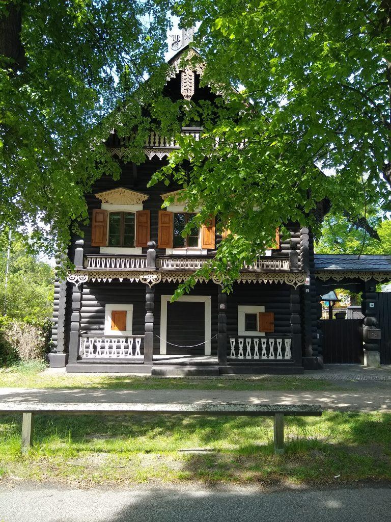 Beitragsbild Alexandrowka Haus Drei Potsdam handundstift.de Blog zum Thema Illustration in Serie