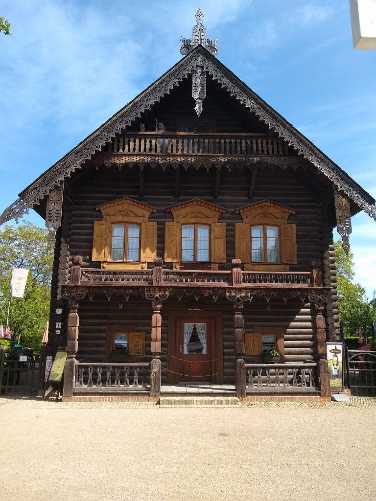 Beitragsbild Alexandrowka Haus Zwei Potsdam handundstift.de Blog zum Thema Illustration in Serie