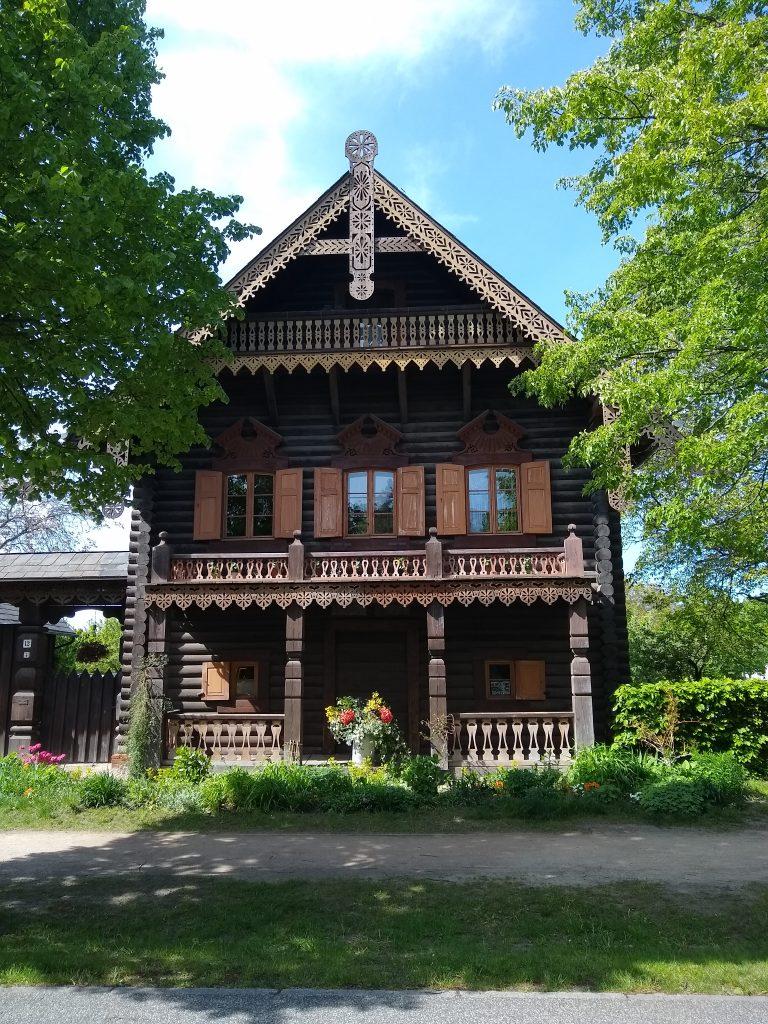 Beitragsbild Alexandrowka Haus Eins Potsdam handundstift.de Blog zum Thema Illustration in Serie