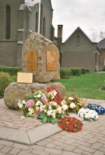 153 Lozen Monument2.jpg