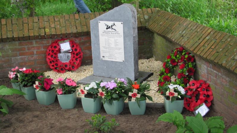 1707_Kasterlee_Boone Stirling monument.JPG|1707_Kasterlee_BooneShort foto 2.JPG|1707_Kasterlee_BooneShort foto 3.JPG