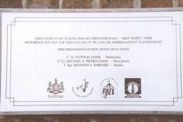19 Brugge Gedenkplaat B17 JWillems.jpg
