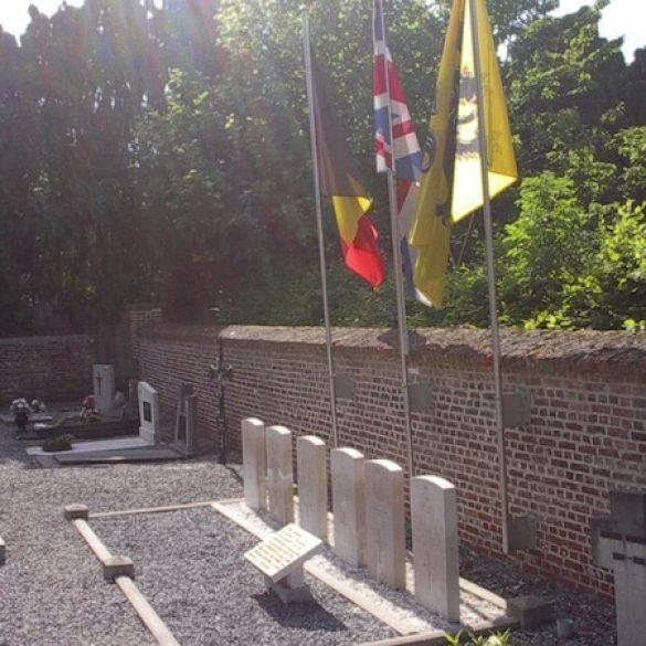 266 Houwaart Graven SVolckaerts.jpg|266 Houwaart Graven2 SVolckaerts.jpg|266 Houwaart Graven3 SVolckaerts.jpg