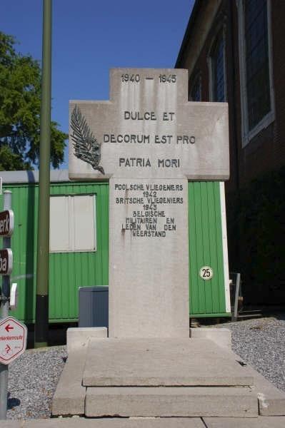 354 Geetbets monument LWittemans.jpg|354_Geetbets 2.JPG|354_Geetbets 3.JPG