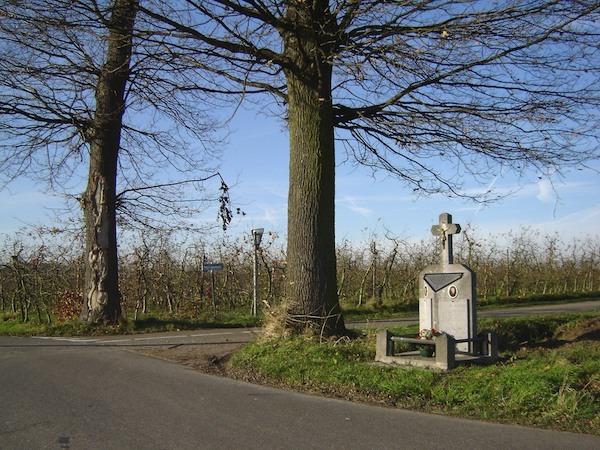 409_Loksbergen_WCollin.jpg 409 Loksbergen2 monument JJanse.jpg